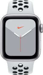 Apple Watch Series 5 Nike 44mm strieborný hliník s platinovým/čiernym športovým náramkom