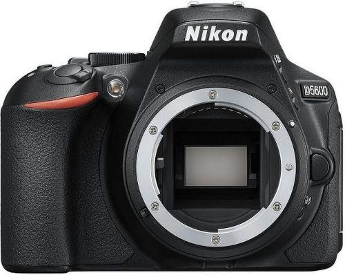 NIKON D5600+AF-P 18-55 V, Digitálna zrka