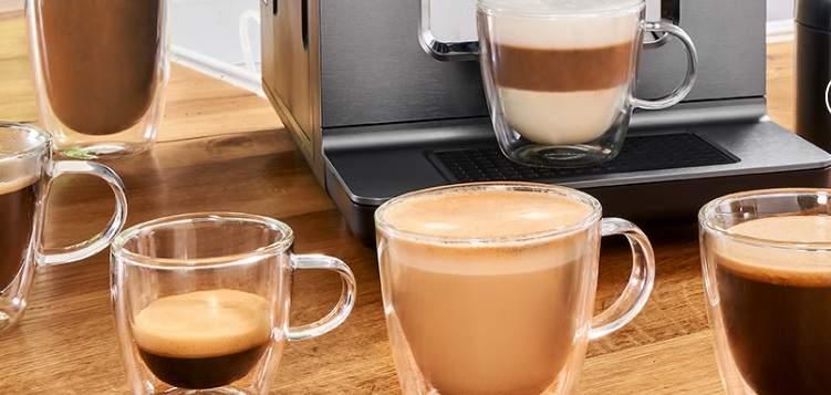 15 druhov kávových nápojov Krups EA890D10 Evidence