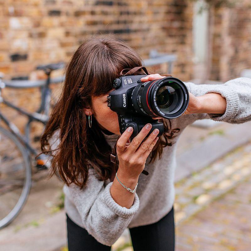 ed0ca3992 Dokonale zapadne medzi vaše terajšie vybavenie EOS. Fotoaparát Canon EOS 6D  Mark II vám poskytne všetko, čo potrebujete na ďalšej vzrušujúcej ceste.