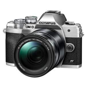 Olympus OM-D E-M10 Mark IV strieborný + ED 14-150 mm f/4,0-5,6 II EZ